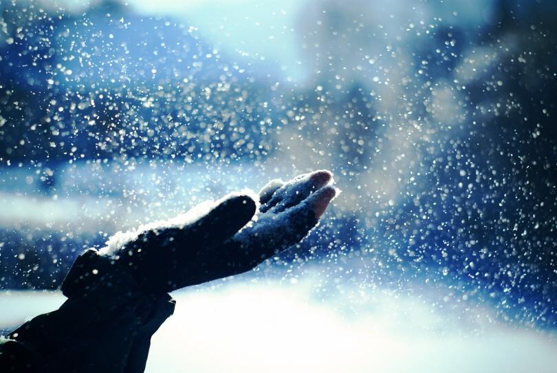 Risultati immagini per nevicata dal cielo